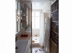 Salle De Bain En L : 10 petites salles de bains pleines d 39 astuces elle d coration ~ Melissatoandfro.com Idées de Décoration