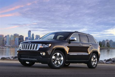 overland jeep cherokee 2011 jeep grand cherokee overland summit and liberty jet