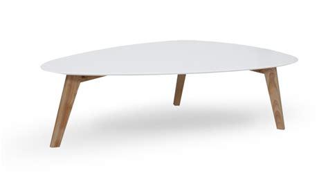canape d angle xl table basse svartan blanche avec pieds bois clair