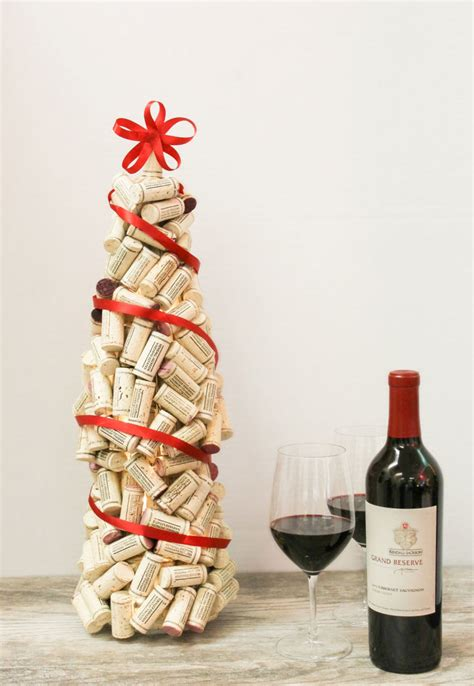 christmas cork idea images 12 diy wine cork crafts shelterness