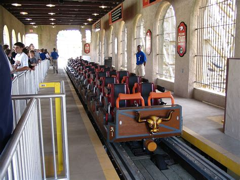 Train (roller coaster) - Wikipedia