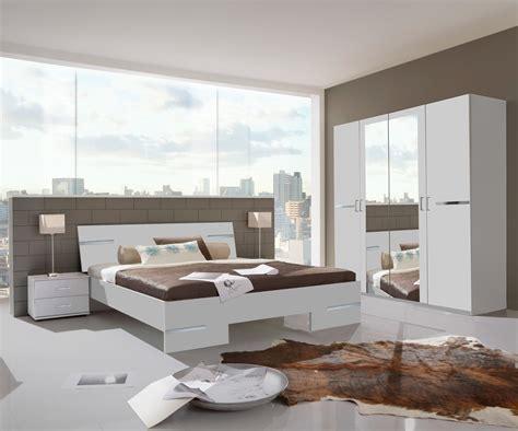 chambres d h es irrintzina chambre adulte complète design blanc alipin chrome