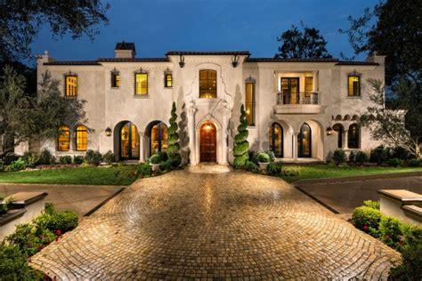 15 Utterly Luxurious Mediterranean Mansion Exterior