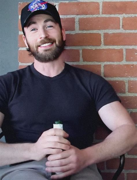 Pin by Lois Hawley on Chris Evans in 2020 | Chris evans ...