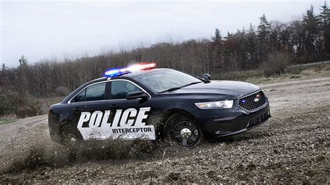 fords police car  smarter lamarque ford