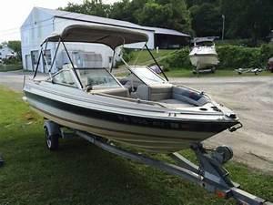 1986 Bayliner Capri 1600 Bowrider Boat