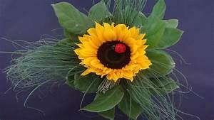 Tischdeko Mit Sonnenblumen : blumen deko selber machen sonnenblumenstrau binden ~ Lizthompson.info Haus und Dekorationen