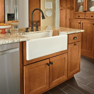 front apron kitchen sinks apron front sink base kraftmaid 3659