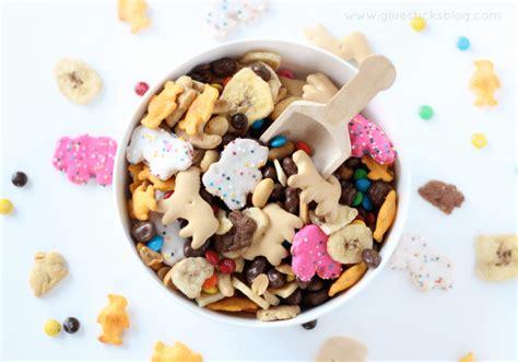 a day at the zoo preschool activity ideas gluesticks 570 | zoo snack mix