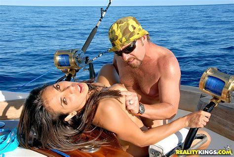 Milf Hunter Hot Bikini Beach Babe Strips On The Boat Then Sucks And Fucks Hard Iwantmature Com