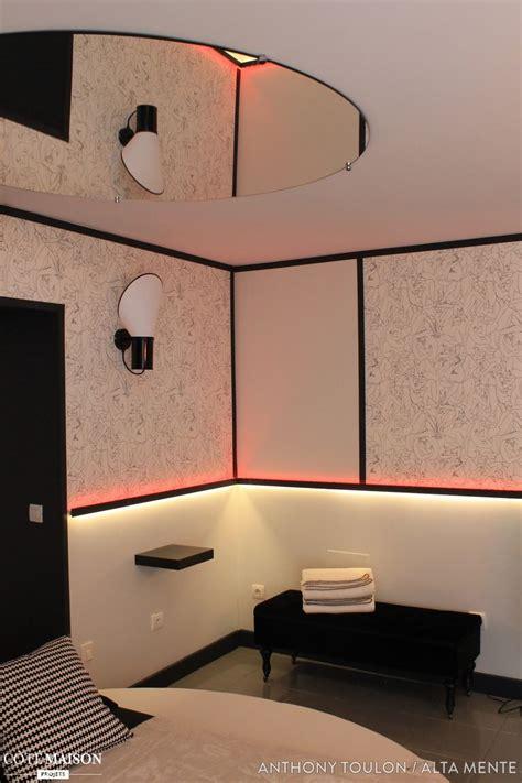 miroir plafond chambre un miroir au plafond pour une chambre d 39 hôtel design