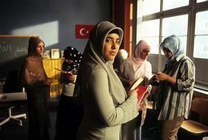 Türkisch Für Anfänger Film Stream : t rkisch f r anf nger staffel 1 dvd oder blu ray leihen ~ A.2002-acura-tl-radio.info Haus und Dekorationen