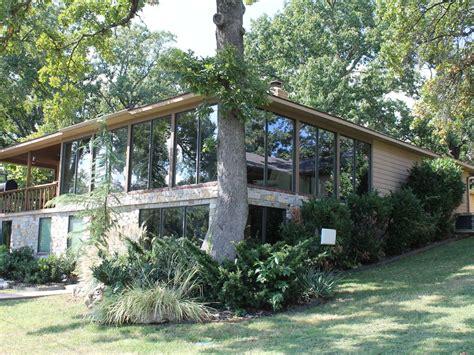 grand lake ok cabin rentals rustic lodge on duck creek grand lake o the vrbo