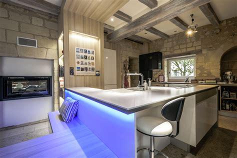 cuisine et bain magazine une cuisine à la croisée des styles cuisines et bains