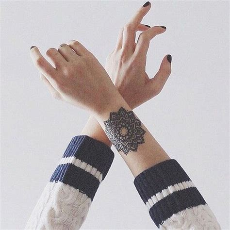 tatouage mandala avant bras  craque pour  tatouage