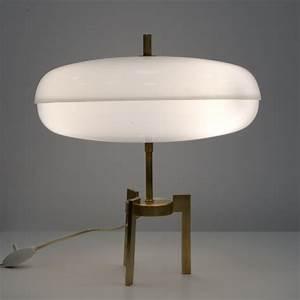 Lampe Italienne Pipistrello : lampe italienne tripode en laiton et plexiglas des ann es 1960 ~ Farleysfitness.com Idées de Décoration