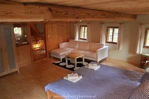 Große Couch In Kleinem Raum : bilder vom ferienhaus im zittauer gebirge oberlausitz ~ Lizthompson.info Haus und Dekorationen