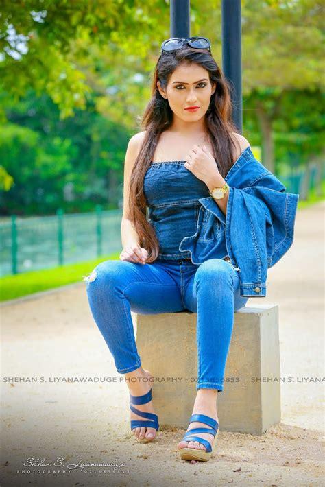 actress models himaya bandara