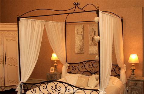 chambre nuptiale flowersway voyages hôtel chambre d 39 hôte château la moune