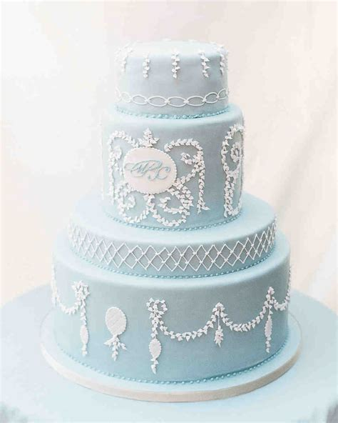 monogrammed wedding cake ideas you ll want to put your name martha stewart weddings