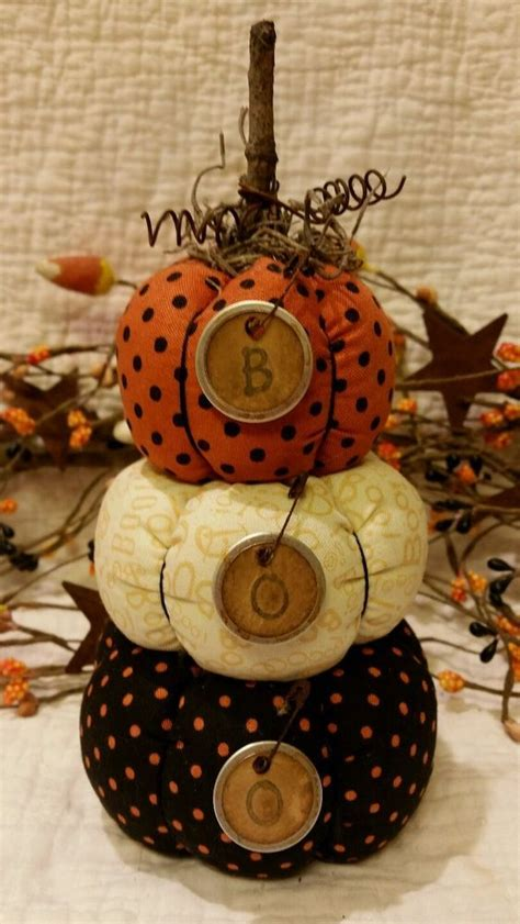 primitive halloween fall stacking pumpkins sitter ornie