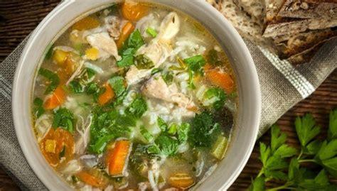 Spēcinoša vistas zupa: padomi, kā pagatavot jaudīgu ieroci ...