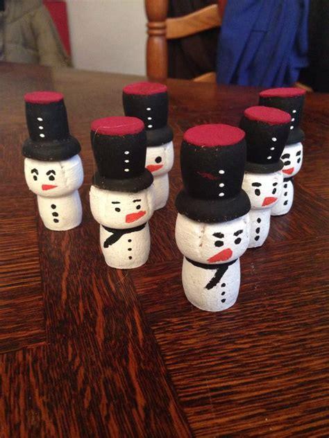 bonhomme de neige avec des bouchons de chagne bricolage avec bouchons