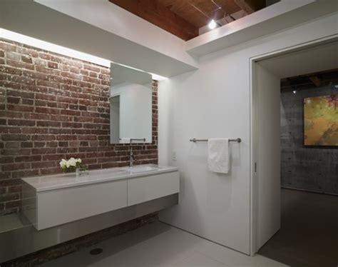 moisissure mur salle de bain des salles de bain avec un mur en briques bricobistro