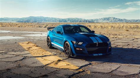 ford debuts 2020 shelby gt500 2020 ford mustang shelby gt500 001 sells for 1 1m