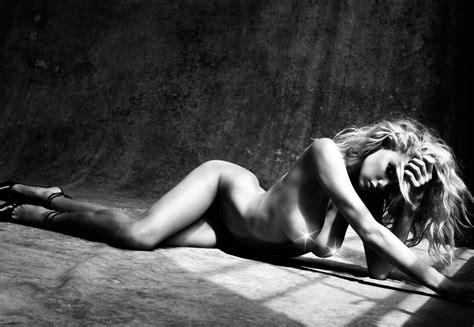 Charlotte Mckinney Nude Unpublished 3 Photos The