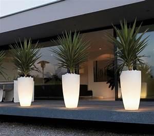 le pot lumineux en 60 images pot de fleur lumineux pots With mobilier de piscine design 5 deco mur exterieur homeandgarden