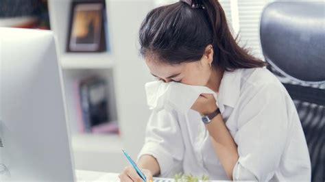 etika batuk  bersin  tempat umum  cegah