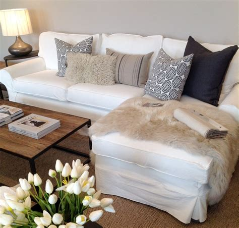 Sofa Arrangement by Pillow Arrangement On Sectional Sofa Search For