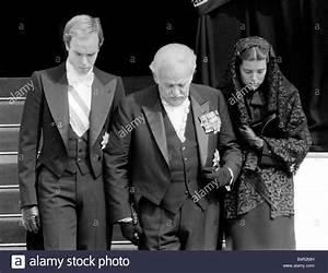 Grace Kelly Beerdigung : princess grace of monaco funeral september 1982 princess grace stock photo royalty free image ~ Eleganceandgraceweddings.com Haus und Dekorationen