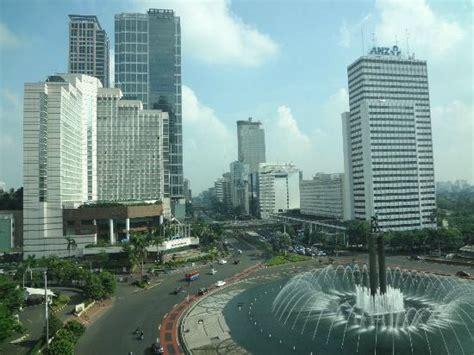 Looking Grand Hyatt Jakarta