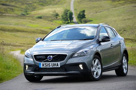 volvo v40 cross country d4 manual nav review greencarguide co uk