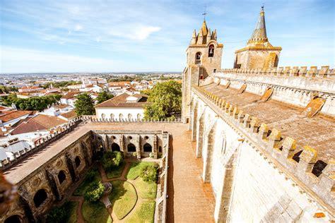 A república portuguesa ou simplesmente portugal é considerado um país soberano. O que fazer em Évora - Portugal | Segue Viagem