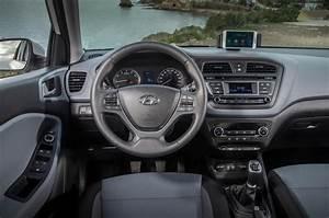 Hyundai I20 Navi : 2016 hyundai i20 1 0 t gdi 100 se review review autocar ~ Gottalentnigeria.com Avis de Voitures