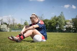 woman soccer player stock photos - OFFSET