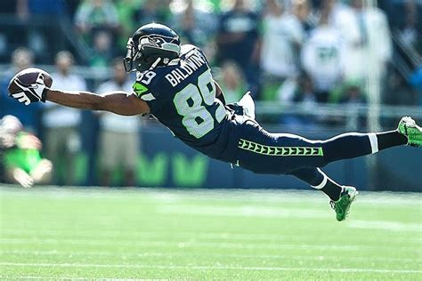 seahawks wr doug baldwin lays   ridiculous  handed
