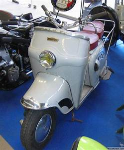 Bernardet Y52 1953 Scooter In Museum