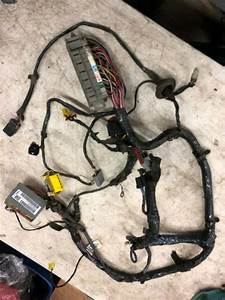 2015 Jeep Cherokee Complete Fuse Box For Under The Hood