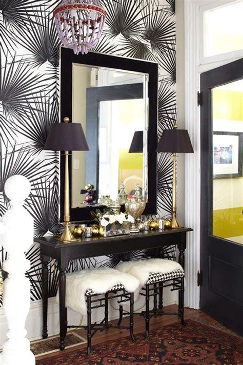 Entry Decor - ideas of striking entryway decor