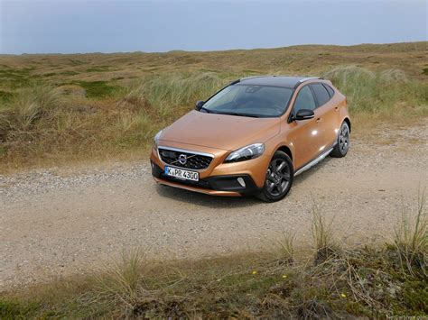 Volvo V40 Cross Country 4k Wallpapers by Volvo V40 Cross Country 2014 Picture 7 Of 38 1024x768
