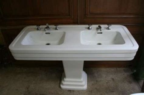 1940s Bathroom Sink by 1000 Images About 1940s Bathroom On Pink