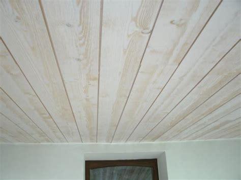 peinture plafond chambre exemple de peinture de chambre 9 lambris bois blanc