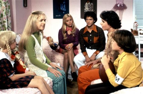 scenes facts   brady bunch page