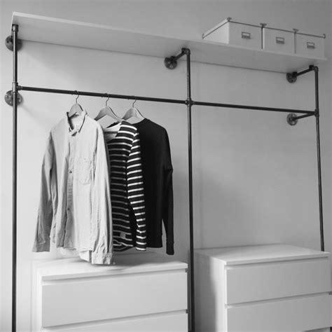 kleiner begehbarer kleiderschrank selber bauen offener kleiderschrank open wardrobe offene