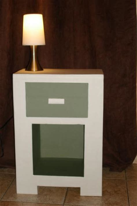 table de chevet blanche et grise en carton cr 233 ation