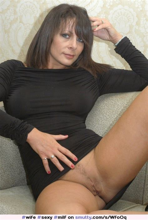 Sexy Milf Brunette Pussy Flash Dress Spread Shaved